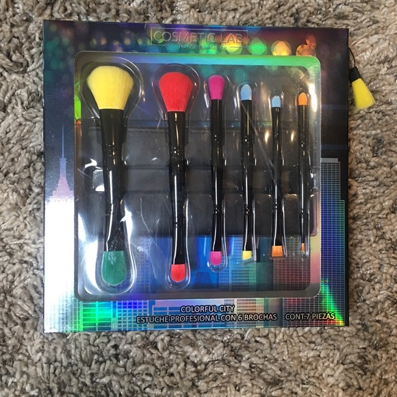 Other - 7 piece brush set